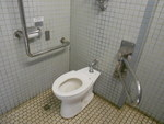 葛飾八幡宮前の公衆トイレ(市川市管理)