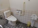 大牟田駅東口の公衆トイレ(JR九州管理)