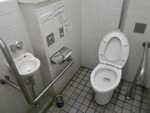 大牟田駅西口の公衆トイレ(大牟田市管理)