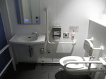 川崎駅前東口公衆トイレ