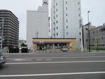 セブン‐イレブン札幌北5条店。