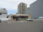 セブン‐イレブン札幌北13条東駅前店。