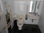 京都市烏丸御池公衆トイレ