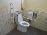 折尾駅東口ロータリー公衆トイレ