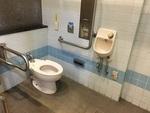 臨港パーク駐車場側トイレ*