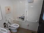 柏駅東口の公衆トイレ(柏市管理)