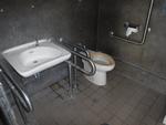 本部町立博物館側公衆トイレ(緑地)*