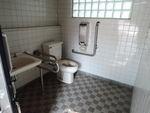 東松山市農林公園 公園西側屋外トイレ*