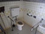 具志川運動公園・ゲートボール場側トイレ