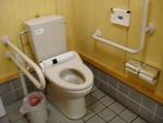 屈斜路湖畔、砂湯の多目的トイレ
