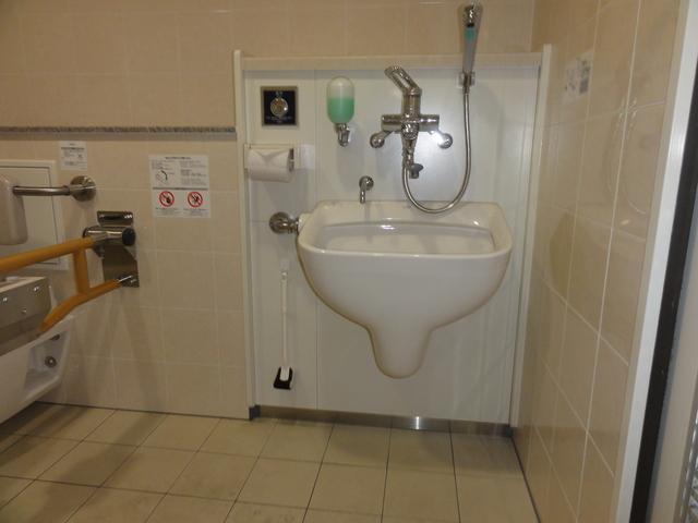 千鳥駅・改札内・多目的トイレ