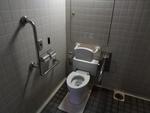 モノレール葭川公園駅前の公衆トイレ(千葉市管理)